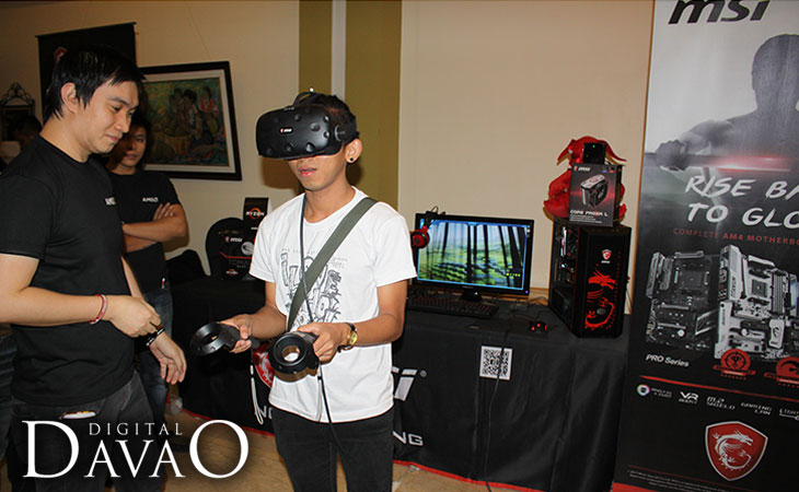 AMD Ryzen Event Attendee trying the VR experience with MSI