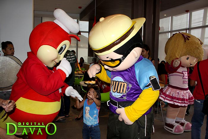 Blessing and Ribbon Cutting of Jollibee Puan b