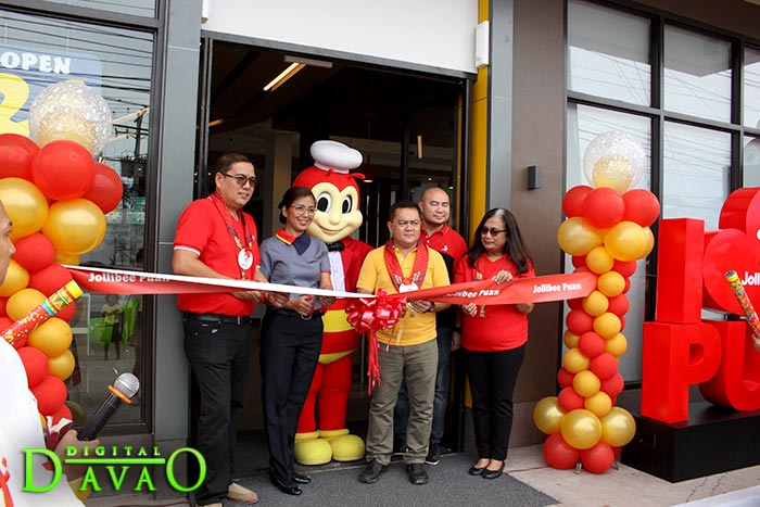 Blessing and Ribbon Cutting of Jollibee Puan f