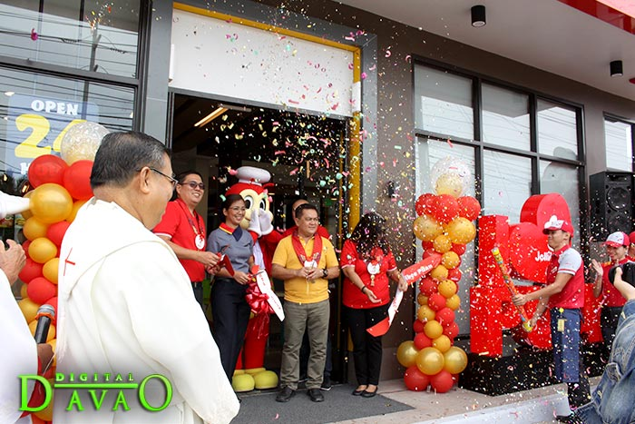 Blessing and Ribbon Cutting of Jollibee Puan h