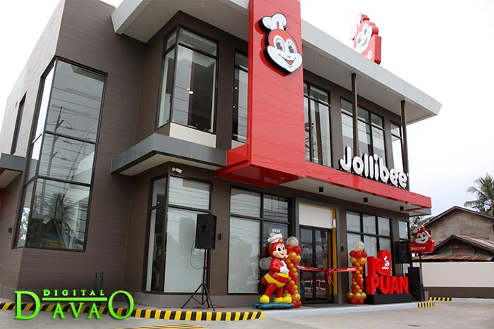 Blessing and Ribbon Cutting of Jollibee Puan v
